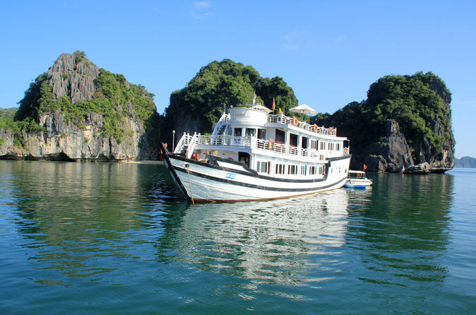 3-Day Cruise with Kayaking and Cooking Class on Halong Bay