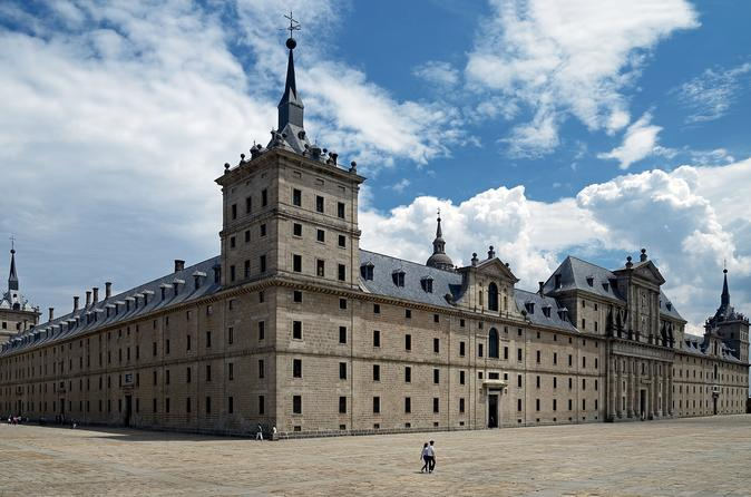 El Escorial And Valley Of The Fallen: Fast Track Entry And Guided Visit - Madrid