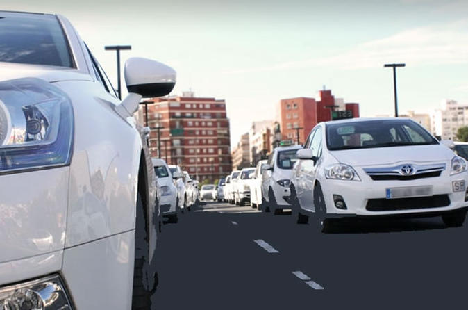 Valencia Private One-Way Airport Transfer to the Port or City Center