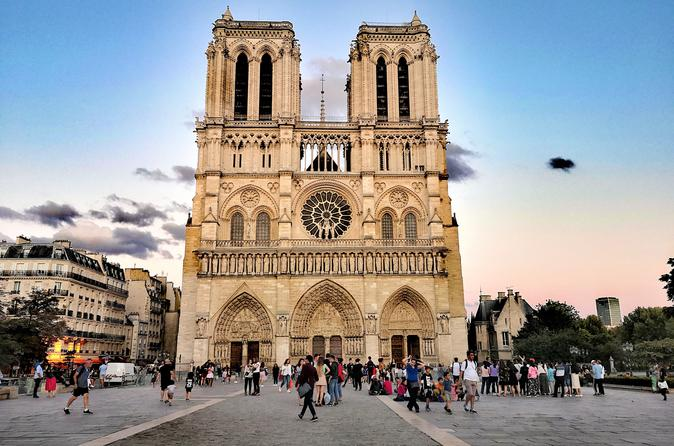 Notre-Dame Cathedral Guided Tour With Binoculars