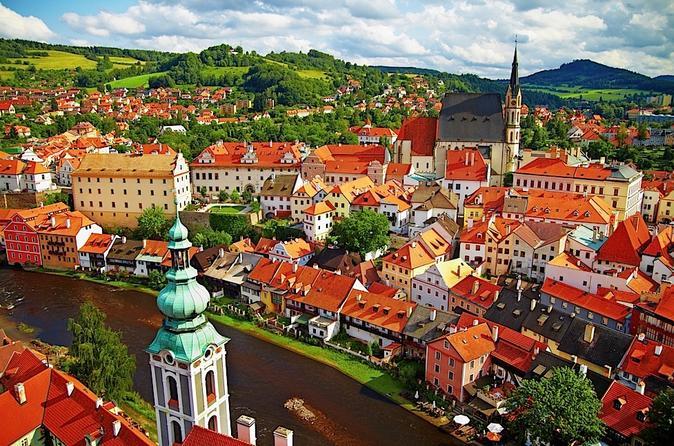 Private Transfer from Vienna to Prague with Stopover in Cesky Krumlov