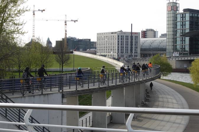 Small-Group Winter Bike Tour in Berlin