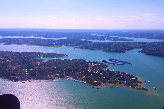 30 minute City & Lake Travis tour for 3 passengers