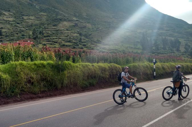 Private Tour: Sacred Valley Biking Adventure Including Ollantaytambo