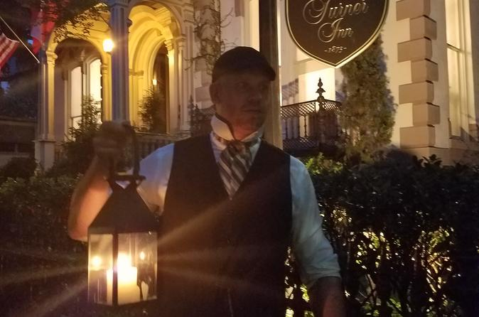 Savannah History and Haunts Candlelit Ghost Tour