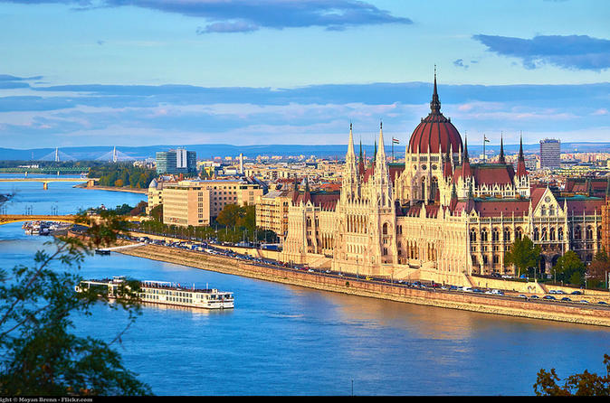 Private tour of Budapest with a Private Transfer and Guide from Vienna
