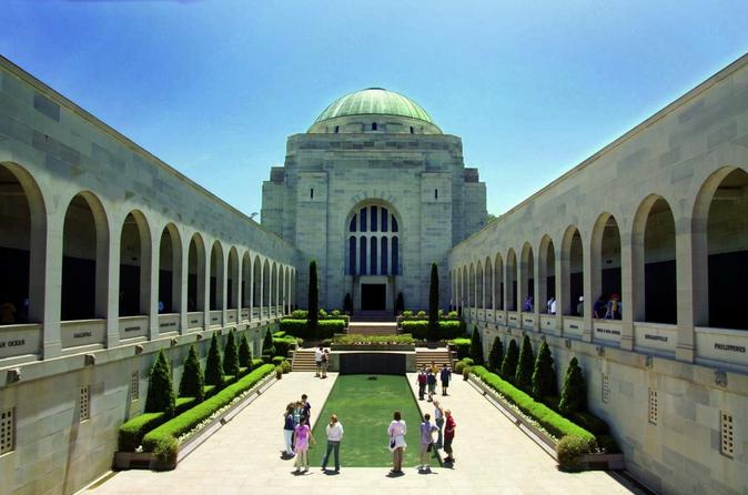 Canberra Day Trip from Sydney Including Parliament House and Australian War Memorial