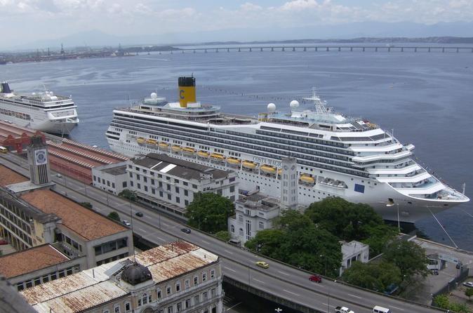 Traslado privado: aeroporto do Rio de Janeiro até o porto com excursão opcional