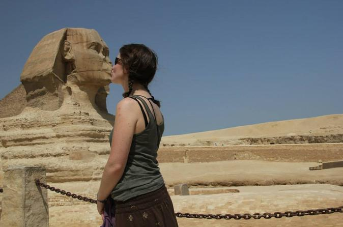 Egypt Short Break Day Tour: Pyramids, Sphinx and Egyptian Museum From Cairo Airport