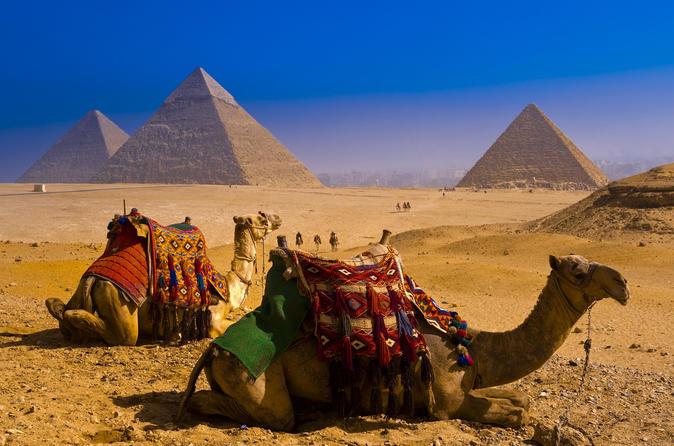 Pausa privada por 2 noites na Cidade do Cairo com cruzeiro com jantar e visitas a pirâmides e à antiga Cairo
