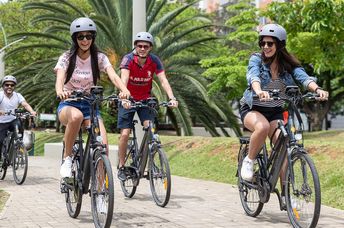Electric bike City Tour Medellín : Fruits, Coffee, History and City Views