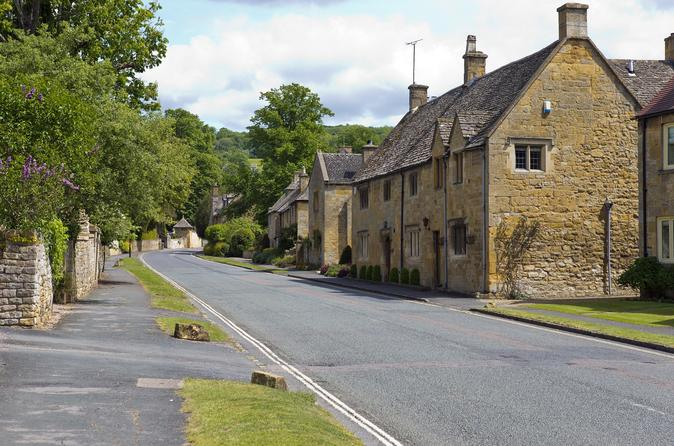 Private Tour of Oxford & the Cotswolds by Luxury Sedan