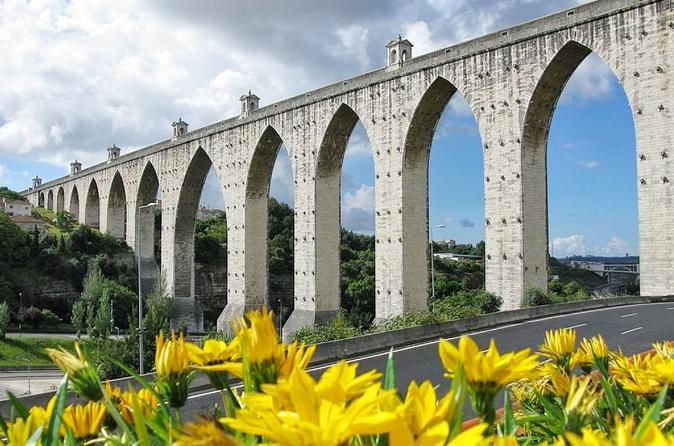 Sightseeing Portugal  use Portulano Tours e Eventos to vist Lisbon , Porto