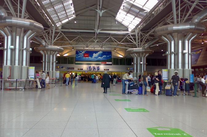 Lisbon: Shared Transfer to or from Costa da Caparica