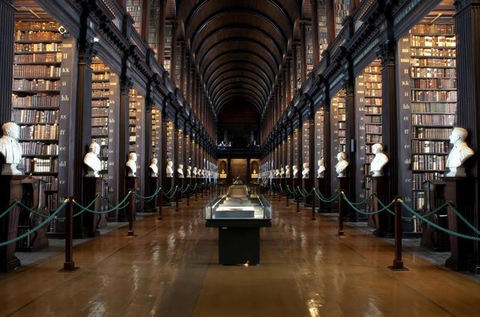 Excursão com acesso antecipado a Livro de Kells com Castelo de Dublin
