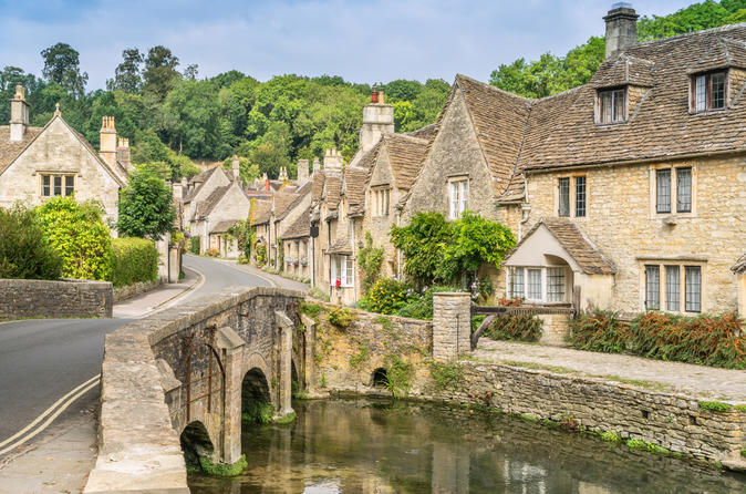 A Cotswolds Village, Bath & Stonehenge Small Group Tour from London