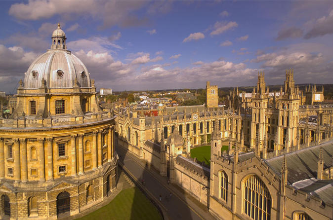 Oxford Stratford and Cotswolds Villages Small Group Day Tour from London