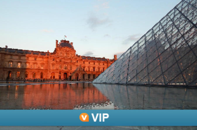 VIP: Skip-the-Line Louvre Museum Small-Group Tour with Champagne &Gourmet