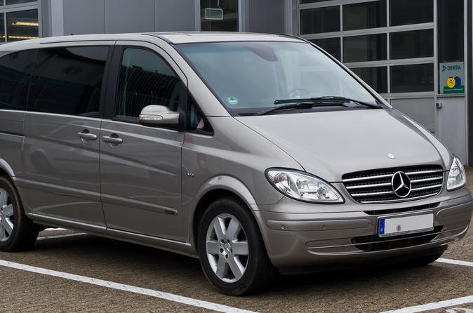 Private Chauffeured Minivan at Your Disposal in London