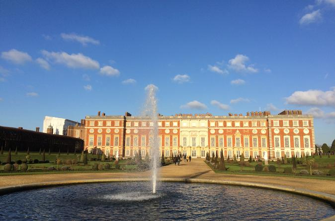 Private London Hampton Court Palace Tour by Private Vehicle