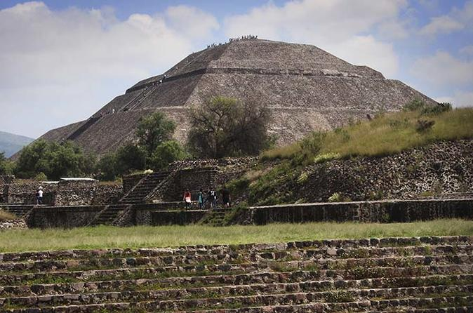 Teotihuacan & Basilica Guadalupe Tour with lunch