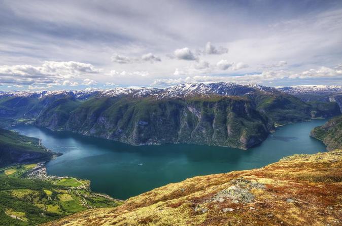 Excursão autoguiada de ida e volta pela Noruega partindo e retornando a Oslo