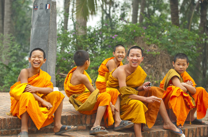 MONKS AND CHARITIES OF VIENTIANE