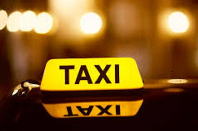 Private Taxi Transfer from Riga Hotel to Airport