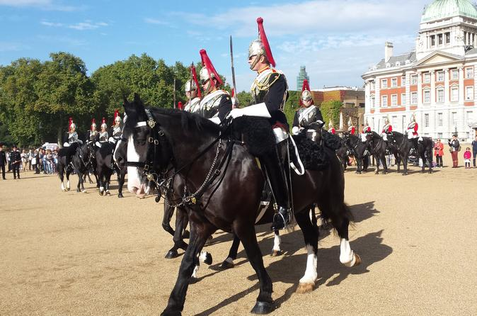 Royal London Walking Tour Including Changing of the Horse Guard Ceremony