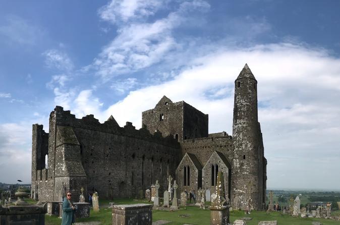 Group Travel for Solo Female Travelers - IRELAND & SCOTLAND - June 27 - July 7