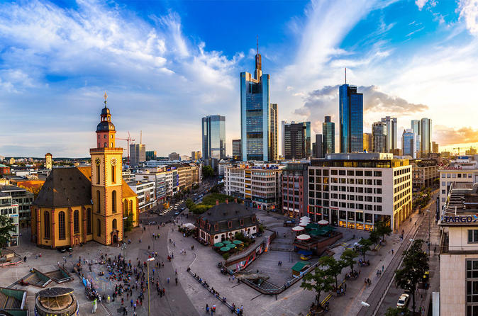 Private City Sightseeing Tour in Frankfurt for Incentive Groups up to 35 person