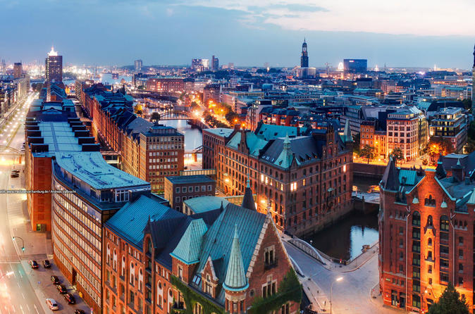 Private City Tour in Hamburg for Incentive Groups 6 to 45 Passengers