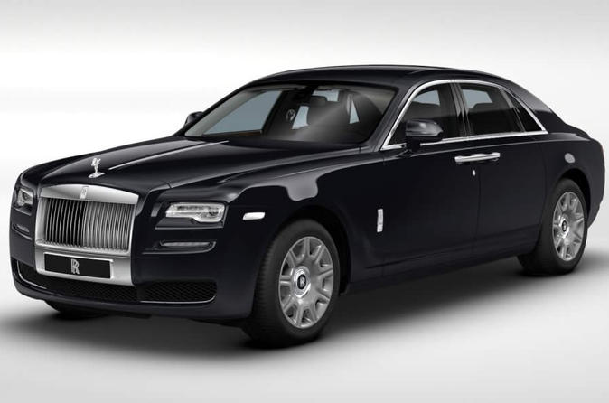 Luxury Rolls Royce at Your Disposal in London Including a Chauffeur