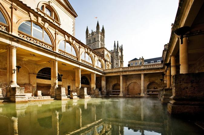 Private Chauffeured Minivan Tour to Bath from London