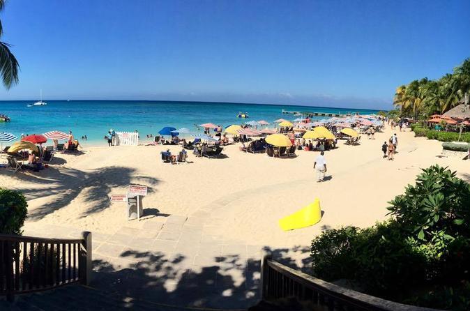Montego Bay 4-Hour Shore Excursion: Doctor's Cave Beach Private Tour
