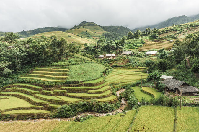 Hanoi 5-Day Hill Tribe Villages Tour to Ha Giang, Dong Van, Meo Vac, and Lung Cu