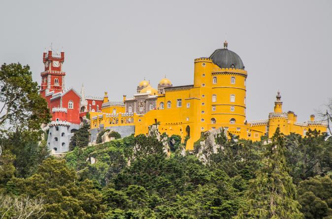 Sintra Romantic Views and Natural Park Tour