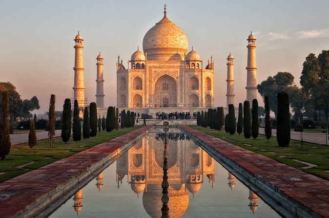 Private Tour: Taj Mahal Sunrise Tour