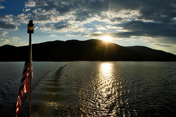 Lake george moonlight cruise in new york state 210456