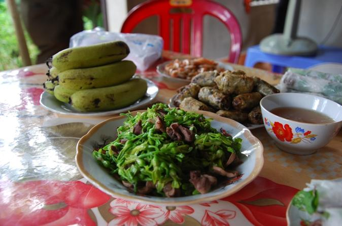 Day Trip to Ninh Binh from Hanoi Including Local Lunch Experience