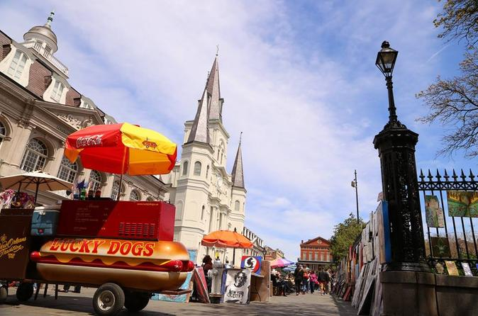 New Orleans French Quarter Bar Pit Stop and Legends Walking Tour