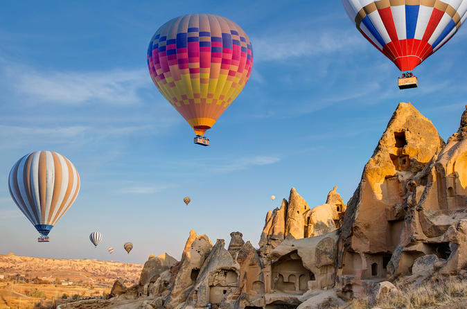 5-Day Istanbul and Cappadocia Tour including Hot Air Balloon Flight