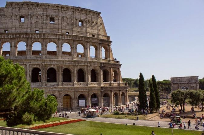 Skip the Line: Colosseum Tour including Roman Forum and Palatine Hill