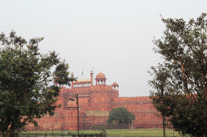 Exciting Evening at Red Fort's Sound and Light Show with Dinner