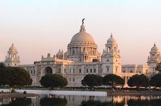 Private Full-Day Kolkata City Tour With Victoria Memorial and Howrah Bridge