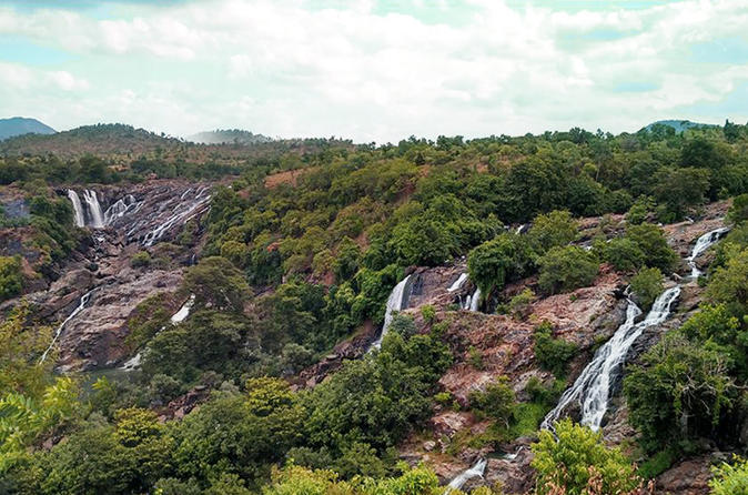 Private Tour: Shivanasamudra Waterfalls and Ancient Somnathpur Full-Day Tour from Bangalore including Breakfast and Lunch
