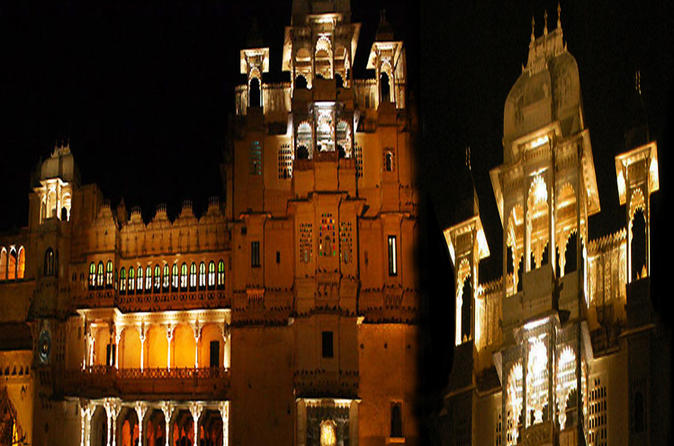 Sound and Light Show at Udaipur's City Palace with Dinner