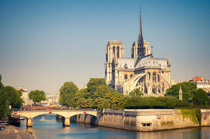 1-Hour Notre-Dame de Paris Family Tour