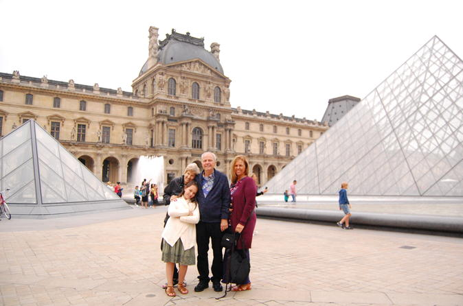 Notre-Dame, Louvre Museum and Montmartre Private Day Tour