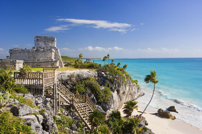 Excursão de dia inteiro particular na Península do Yucatán: Akumal, ruínas de Tulum e mergulho no cenote